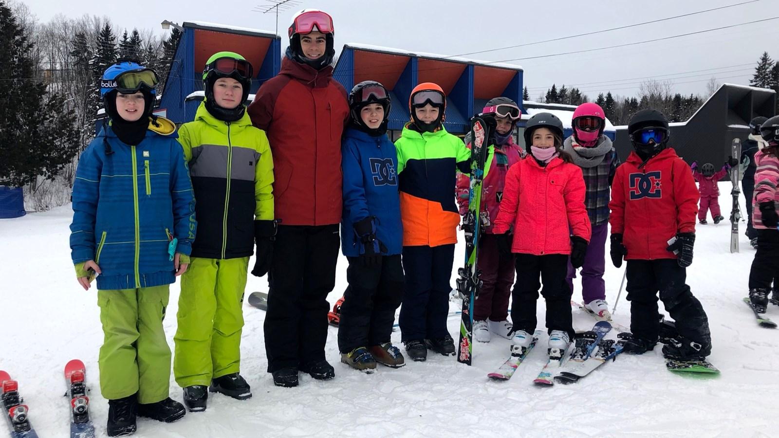 Éliot Grondin rencontre ses fans au Centre de ski de Saint-Georges